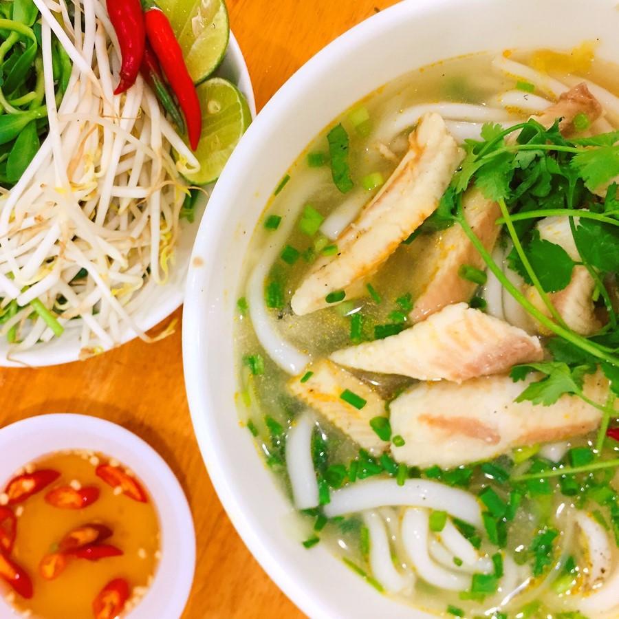 Tô bánh canh cá lóc mang đậm chất Ba Thao
